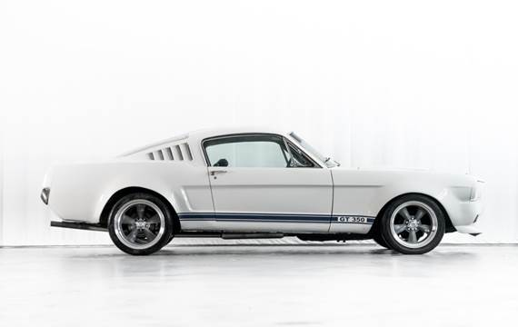 Ford Mustang Shelby GT350 4,7