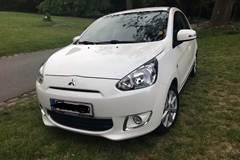 Mitsubishi Space Star Black & White CVT 1,2