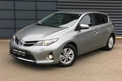 Toyota Auris Hybrid H2+ CVT 1,8