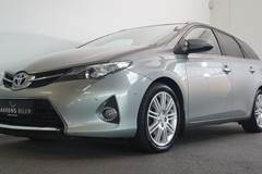 Toyota Auris D-4D T2+ TS Skyview 2,0