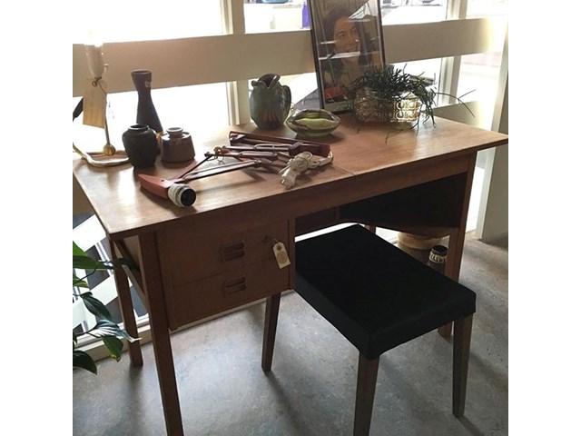 Topmoderne Lille fint teak skrivebord/ - Møbler - [recycleliving] - RETRO. NF-81