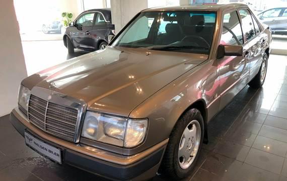 Mercedes 230 E 2,3