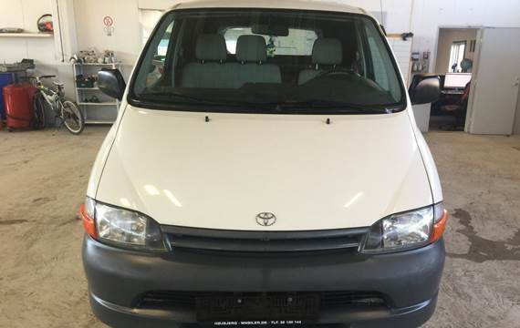 Toyota HiAce D Kassevogn 2,4