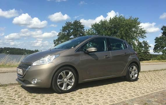 Peugeot 208 e-HDi 114 Allure 1,6