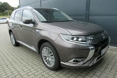 Mitsubishi Outlander PHEV Intense CVT 4WD 2,4