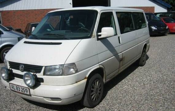 VW Caravelle TDi 102 Comfort 10prs 2,5