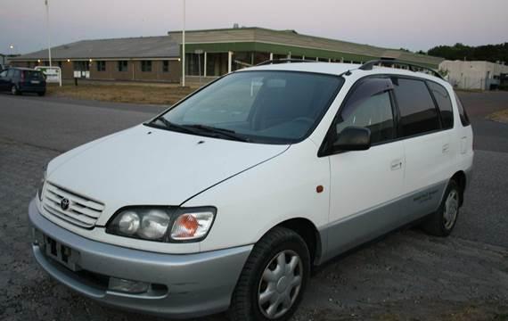 Toyota Sportsvan B 2,0