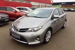 Toyota Auris VVT-I H2 Premium E-CVT  5d Aut. 1,8