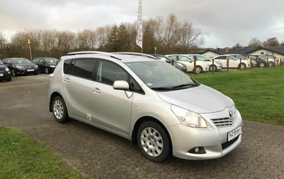 Toyota Sportsvan D-4D T1 2,0