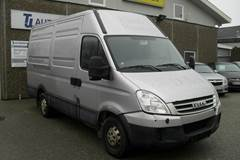 Iveco Daily 35S18 12m³ Van AG 3,0