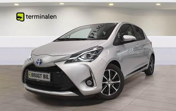 Toyota Yaris Hybrid H3 Smart e-CVT 1,5
